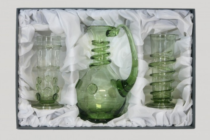 Set - Carafe and Renaissance cups - D-1+29+31 - historical glass