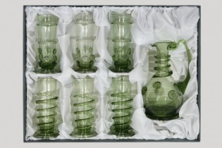 Carafe and 6 renaissance goblets - D-1+3x29+3x31 - historical glass