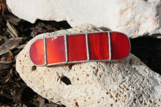 hair clip red - historical glass