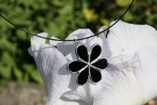 jewel flower black2 - historical glass