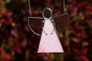 Angel pink - historical glass
