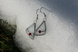 earrings white with bead - historical glass