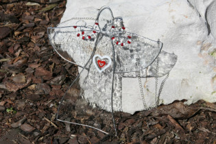 angel with heart - historical glass
