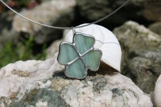 jewel flower green - historical glass