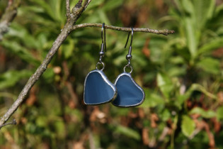 earrings hearts blue - historical glass