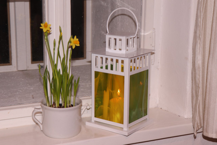 lantern yellow-green - historical glass