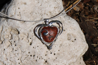 jewel with heart - historical glass
